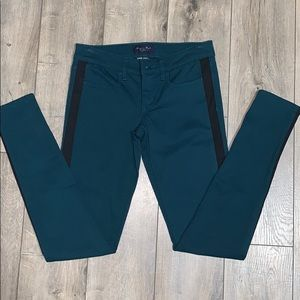 American Eagle Outfitters Jeans - 2/$15 NWOT American Eagle Teal Jeggings